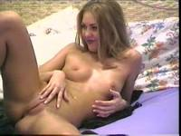 Blonde loudly moans when rubbing her slit before cam