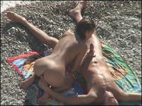 Hot-blooded chick sucks a guy dry on a shingle beach