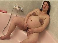 Preggo Shower Lesbos