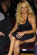 Pamela Anderson is nude, provocative and sexy like always!