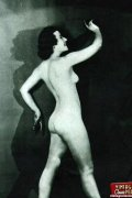 Pretty vintage naked models posing nude in the fourties